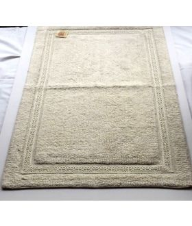 10 X DESIGNER BATH MATS -ITALIAN DESIGNED BATH MATS COLOUR CREAM RRP £25 EACH